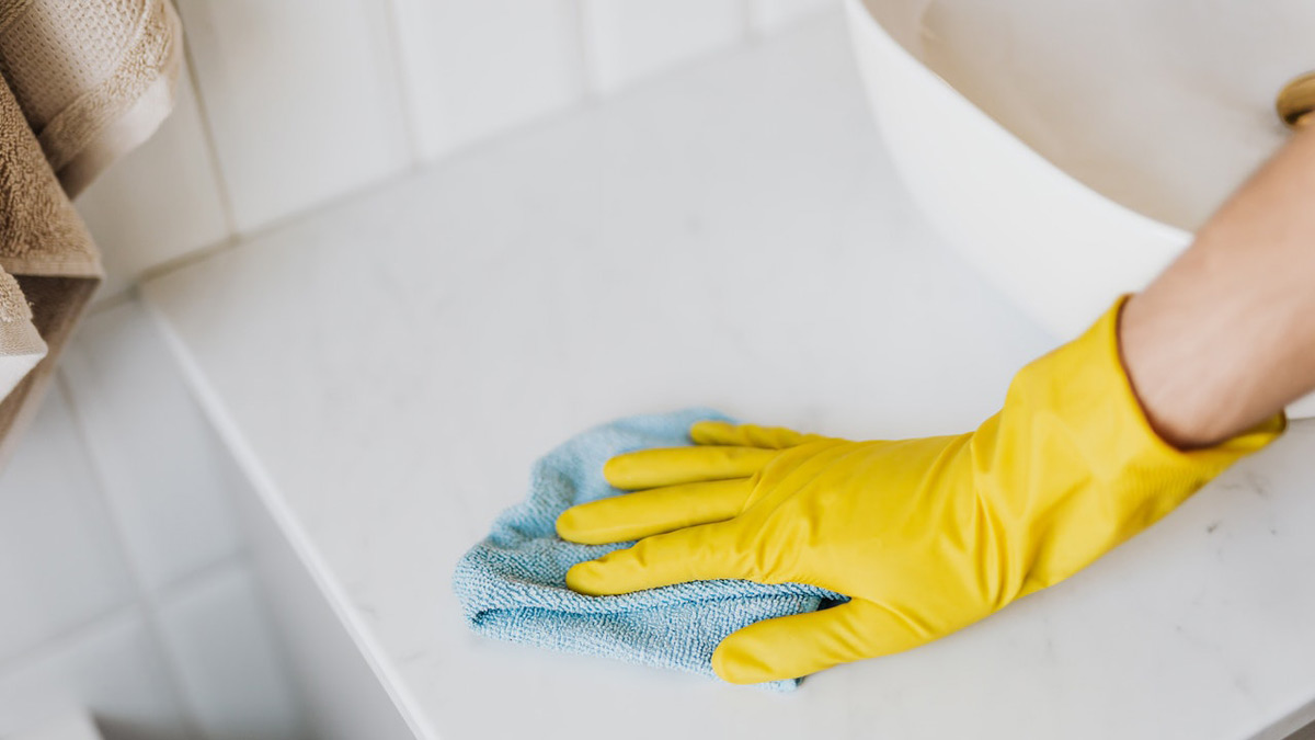 deep clean a dirty bathroom