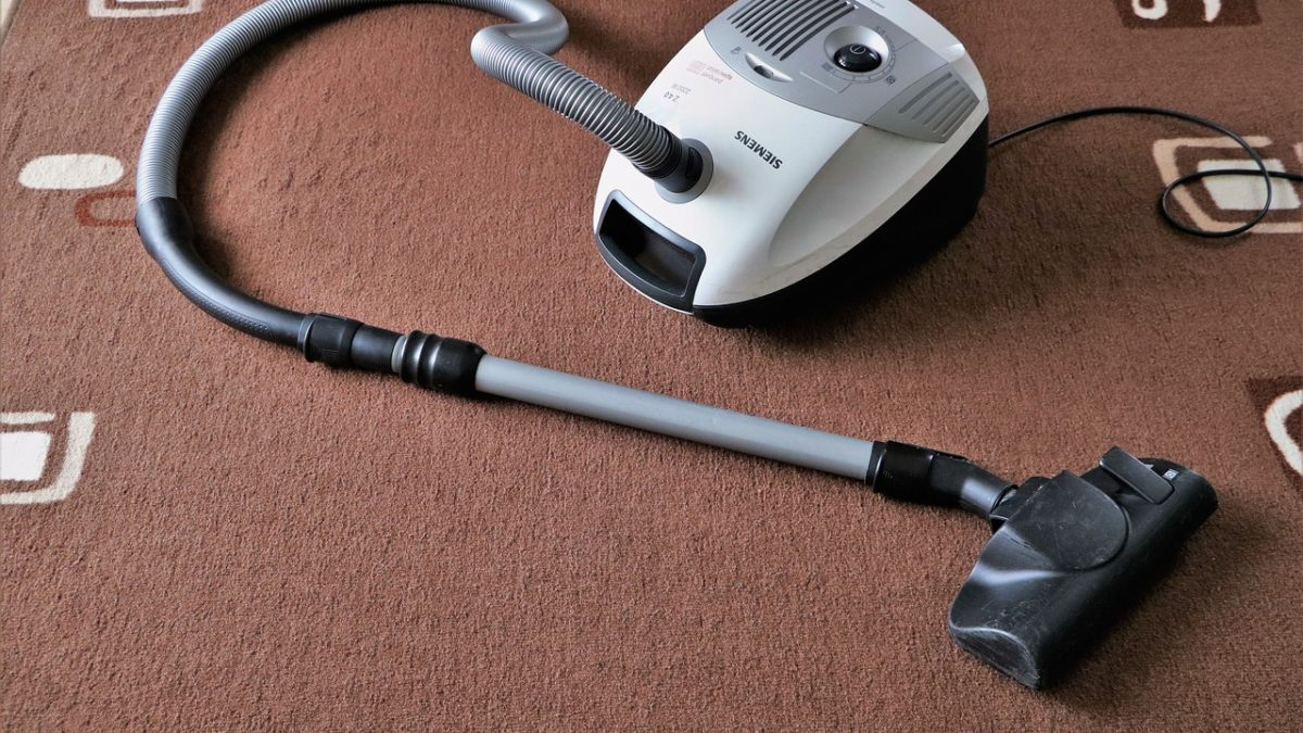 Top 5 reasons why you should hire carpet cleaners in Singapore