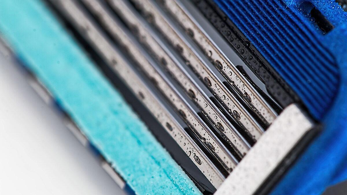 disinfecting razor